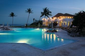 4 Days 3 Nights Beach Offer at Garoda Resort