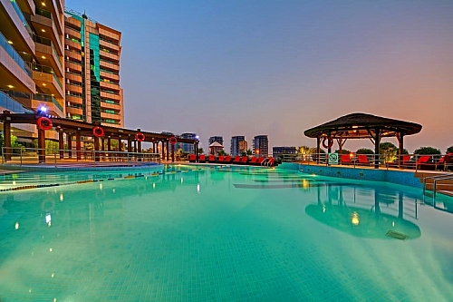 4 Nights Holiday at Copthorne Hotel Dubai ★★★★