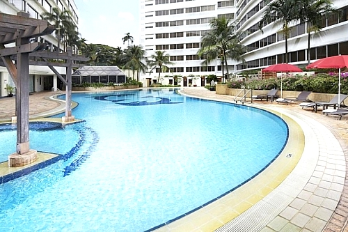 Vacation at Furama Riverfront Singapore: 4 Days