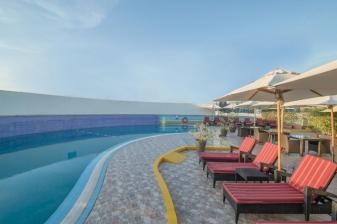 Vacation at the Holiday Inn Bur Dubai: 4 Nights ★★★★