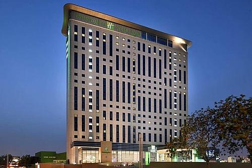 Dubai 7's at Holiday Inn Festival City ★★★★