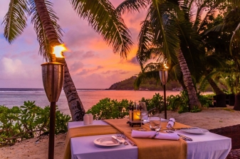 3 Days Romantic Getaway to Red Pepper House