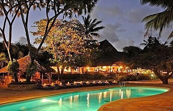 4 Day Travel Deal to Driftwood Beach Club