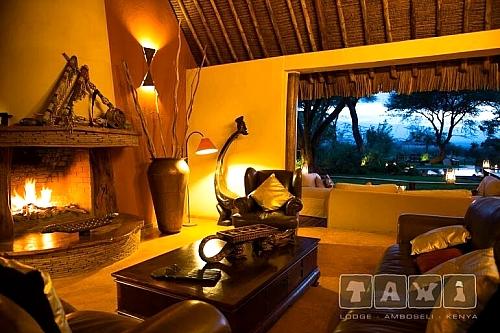 Luxury Safari to Tawi Lodge