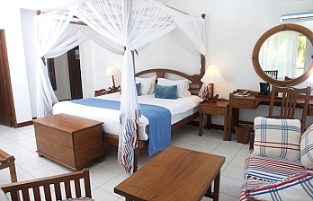 Beach Vacation to Voyager Beach Resort
